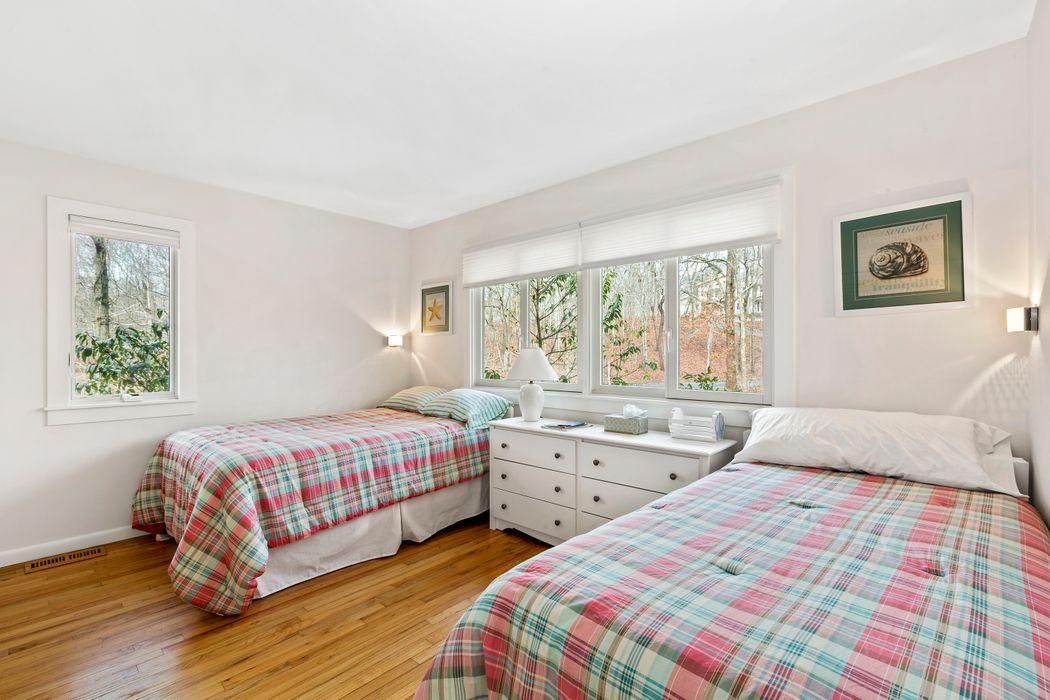 31 Dogwood Street Montauk, NY 11954