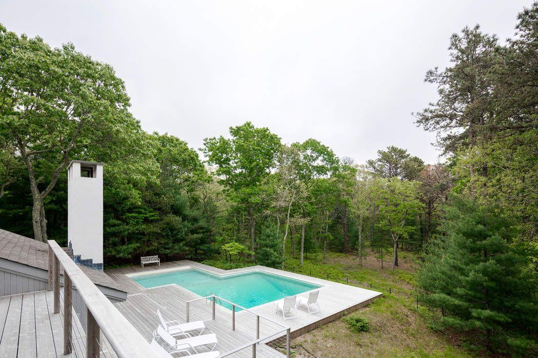 174 Bull Path East Hampton, NY 11937