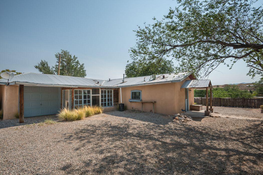 304 El Llano Rd Espanola, NM 87532