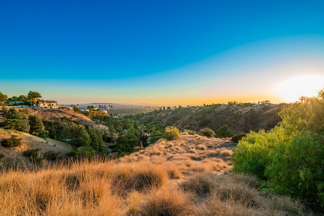 1777 Summitridge Drive Los Angeles, CA 90210