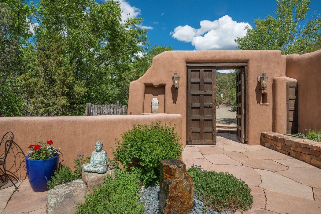 1401 & 1407 Upper Canyon Rd Santa Fe, NM 87501