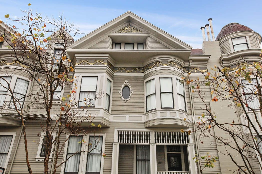 Wonderful 3 Bedroom Victorian Condo