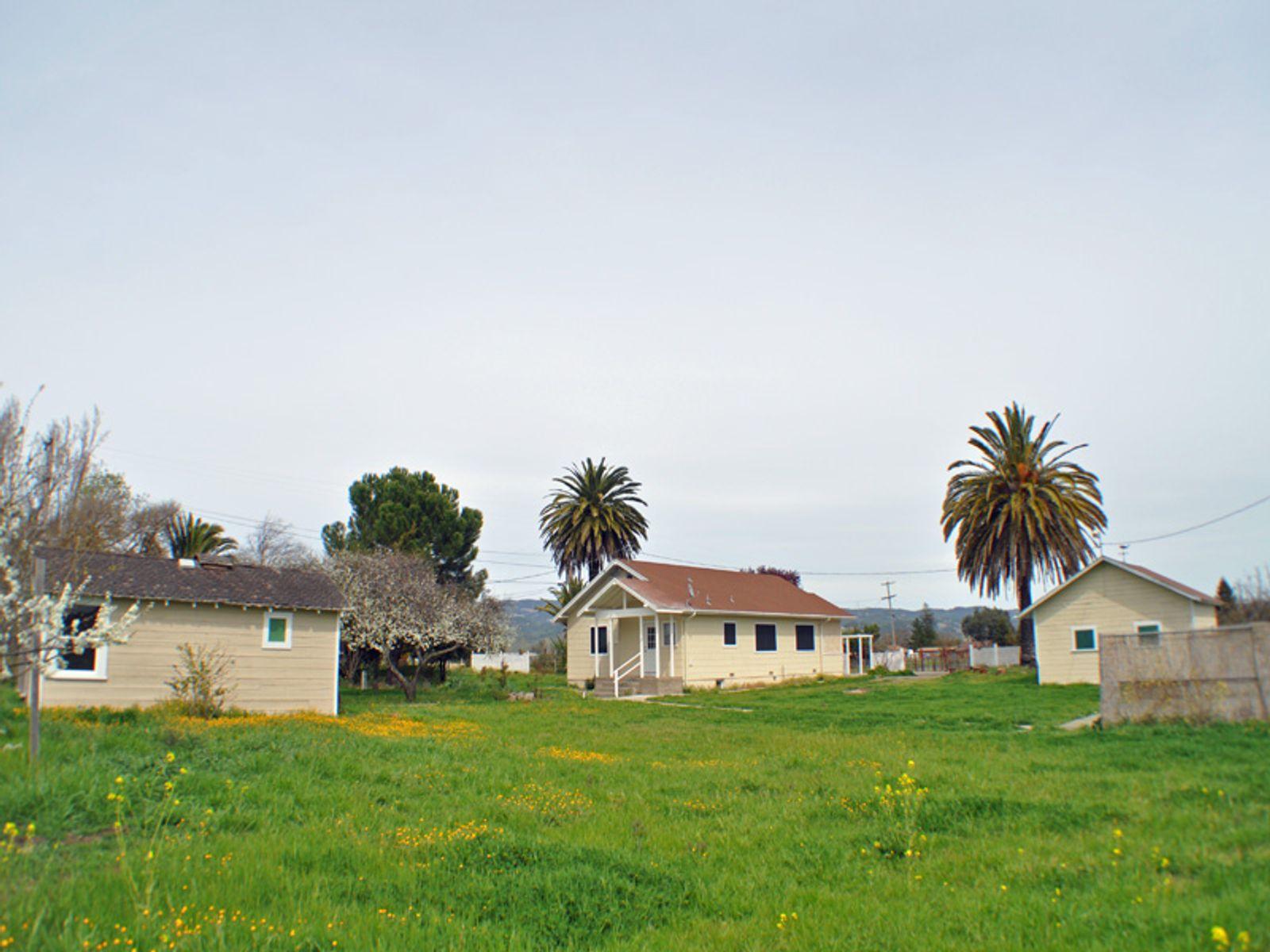 Sonoma Country - Four Acres