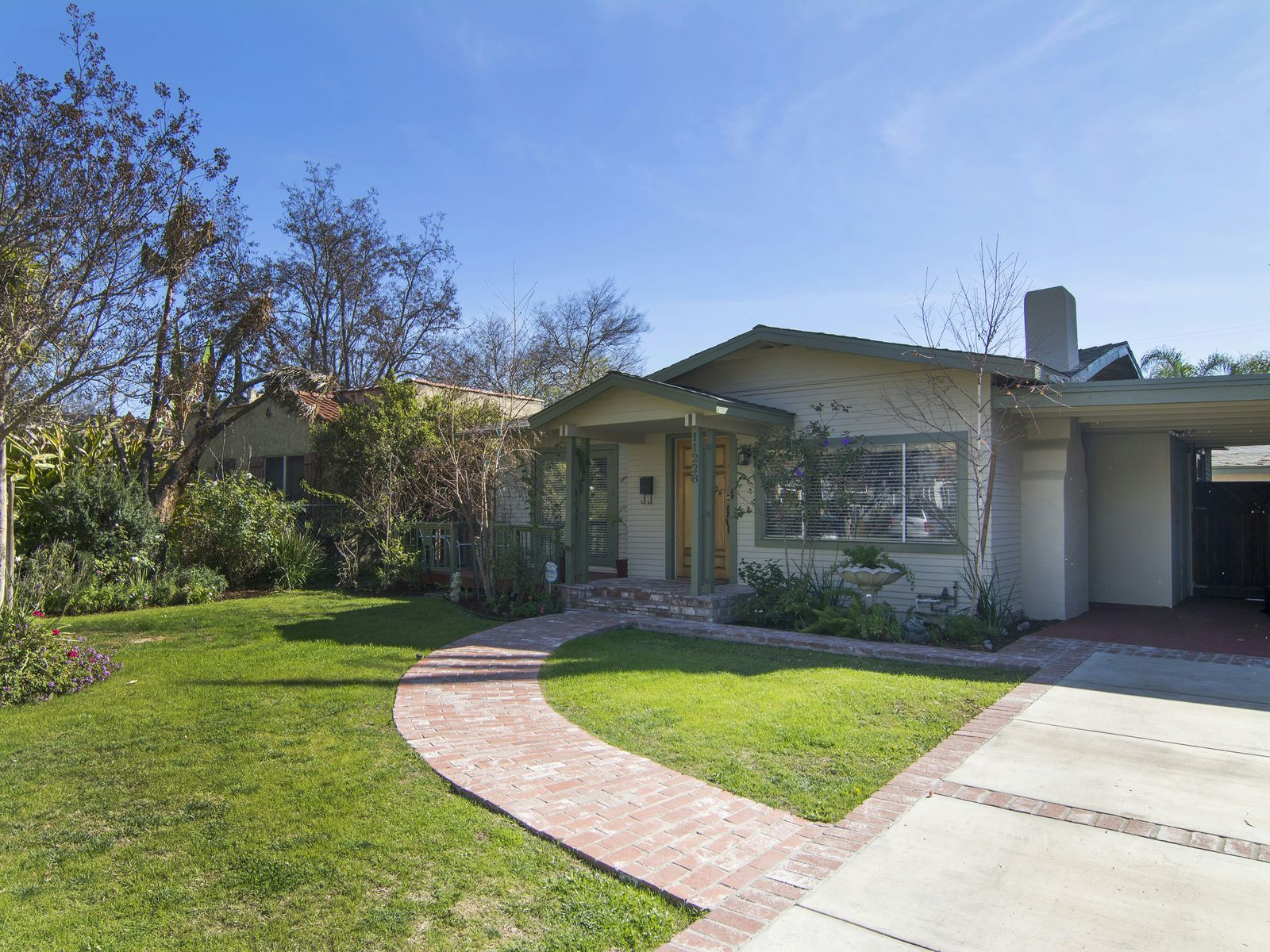 California craftsman like home west tolucla lake ca for California los angeles houses for sale