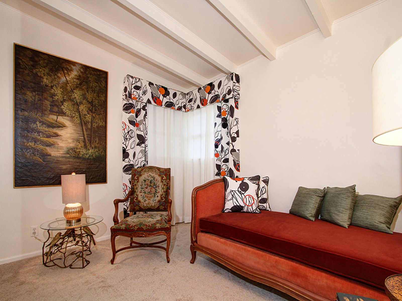 Charming Pied-A-Terre