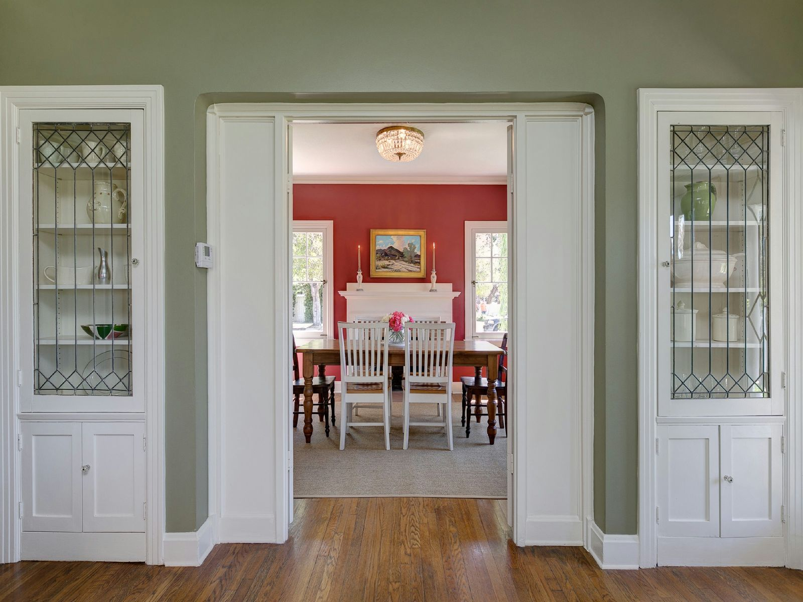 Inviting Federal Cottage