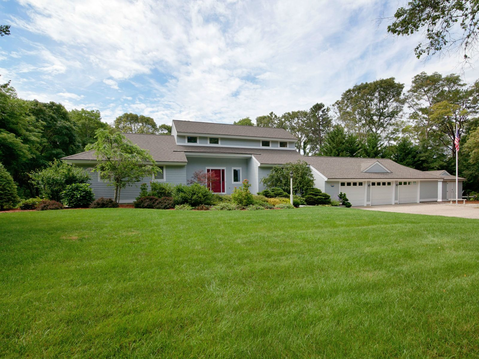 Contemporary Elegance On Caillouet, Osterville MA Single Family Home - Cape Cod Real Estate