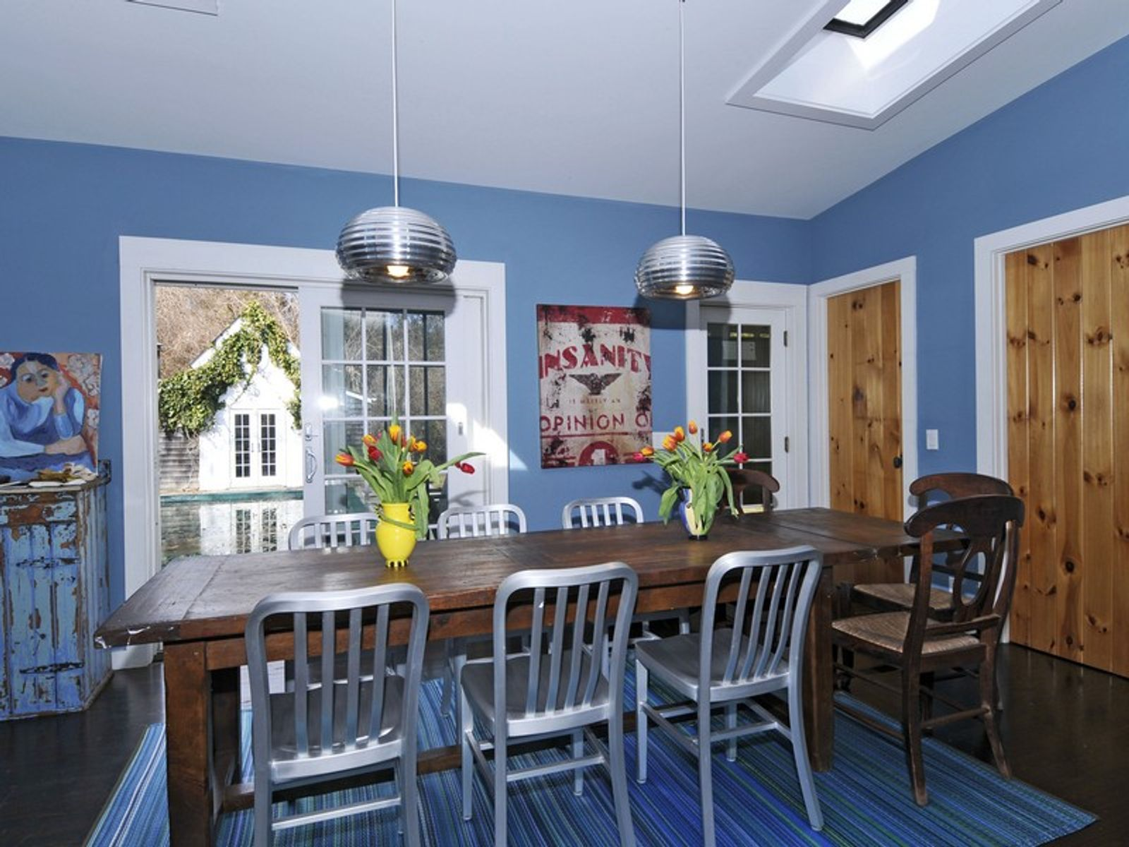 Traditional with Contemporary Pizzazz
