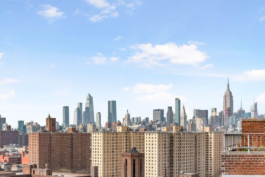 575 Grand Street New York, NY 10002