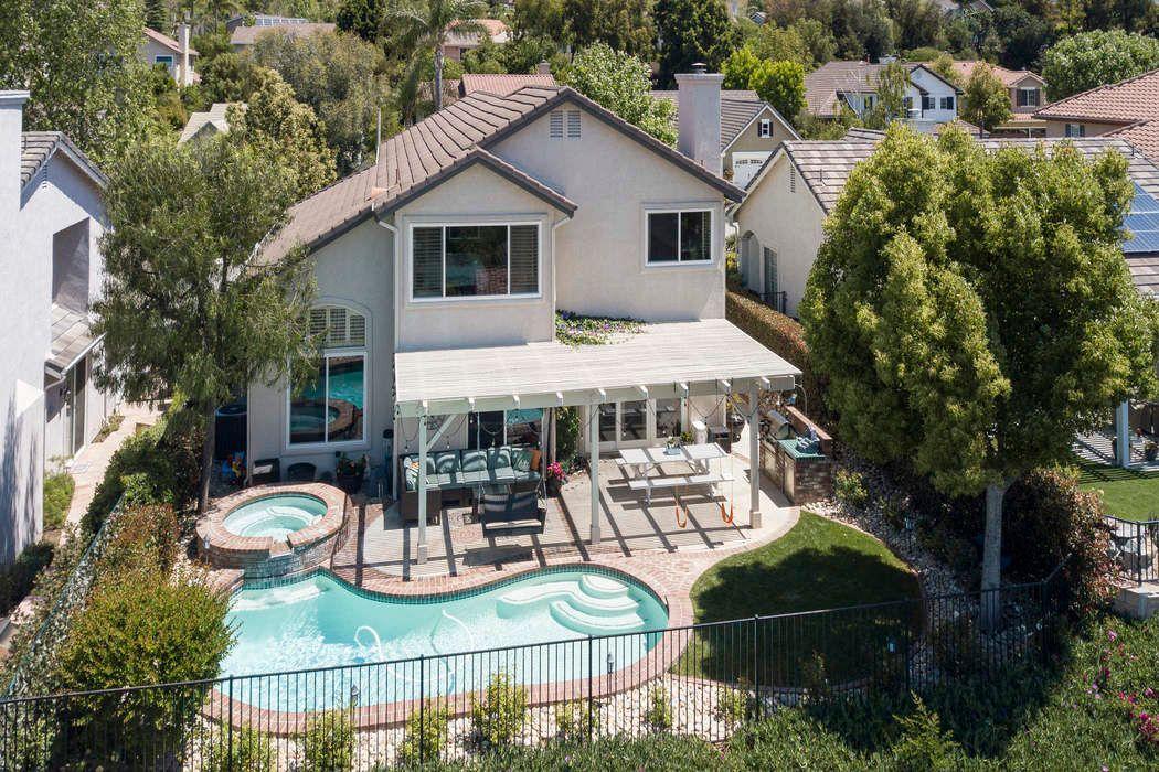 2452 Gillingham Circle Thousand Oaks, CA 91362
