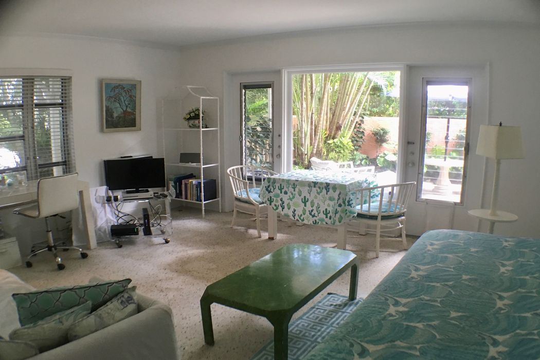 424 Chilean Ave Palm Beach, FL 33480
