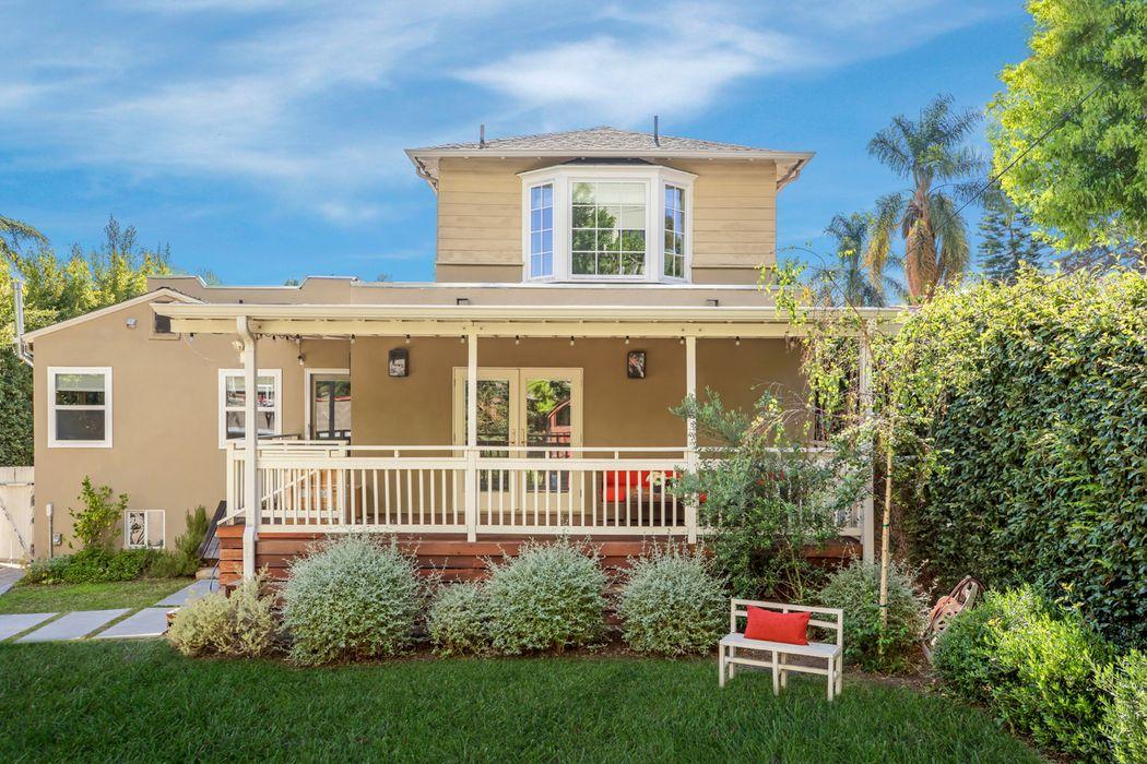 570 Lillian Way Los Angeles, CA 90004