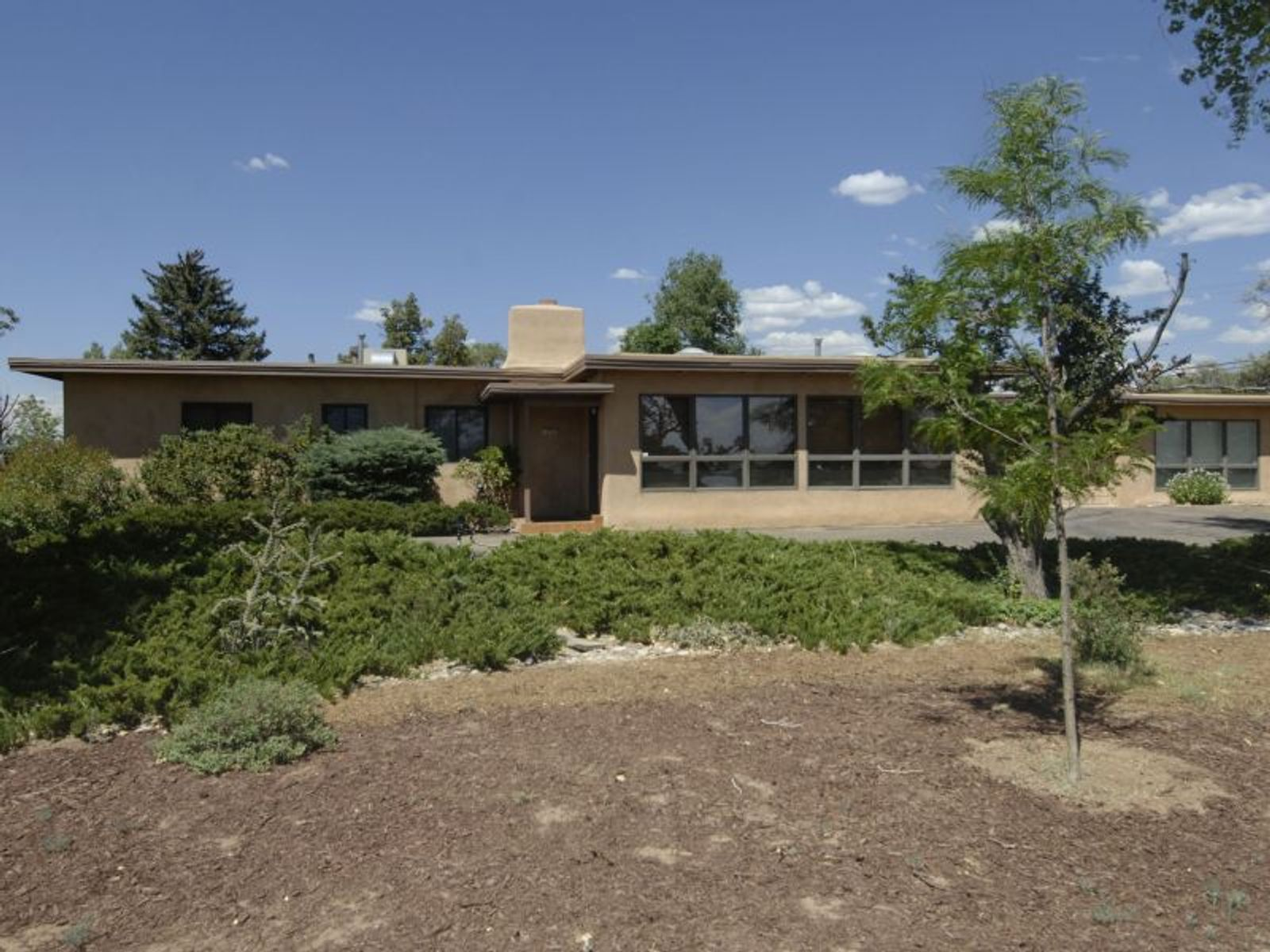 123  W San Mateo, Santa Fe NM Single Family Home - Santa Fe Real Estate