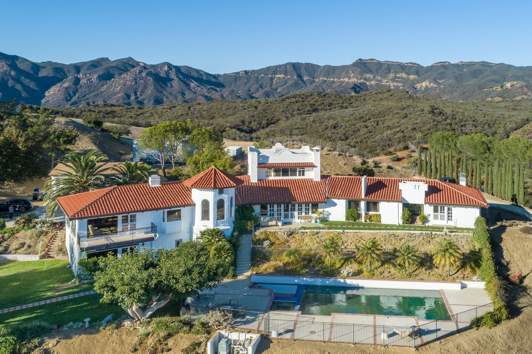 33261 Decker School Road Malibu, CA 90265