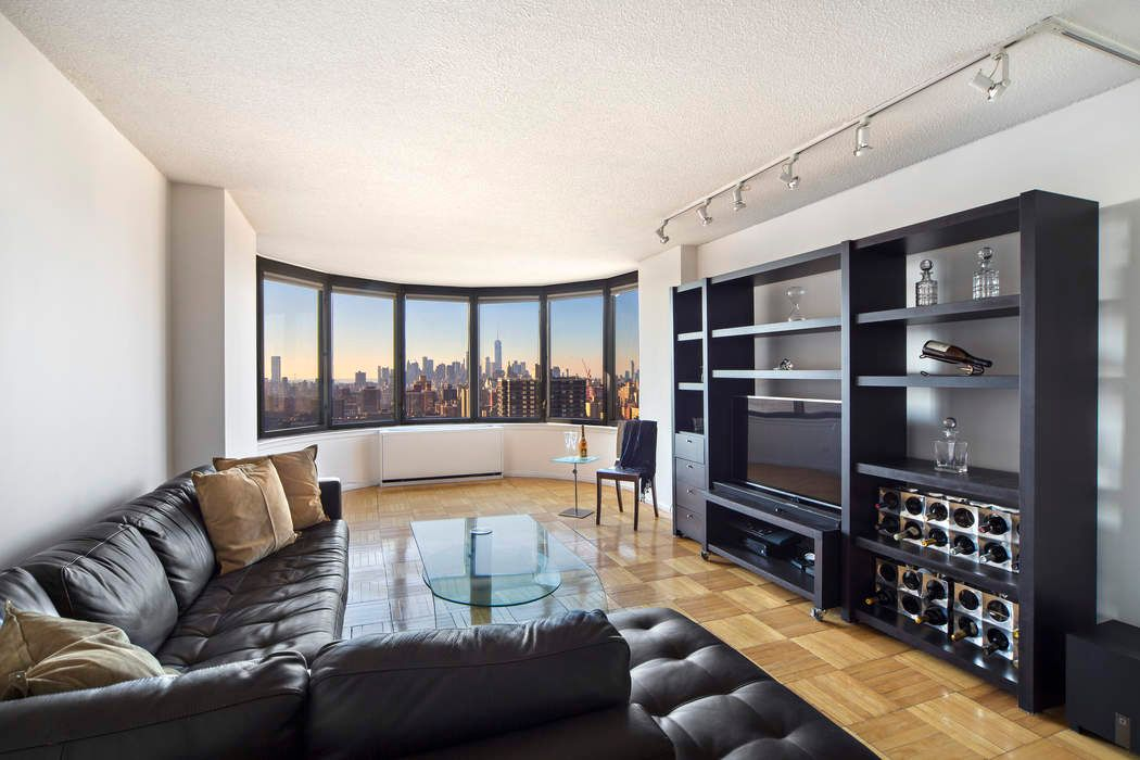 330 East 38th Street New York, NY 10016