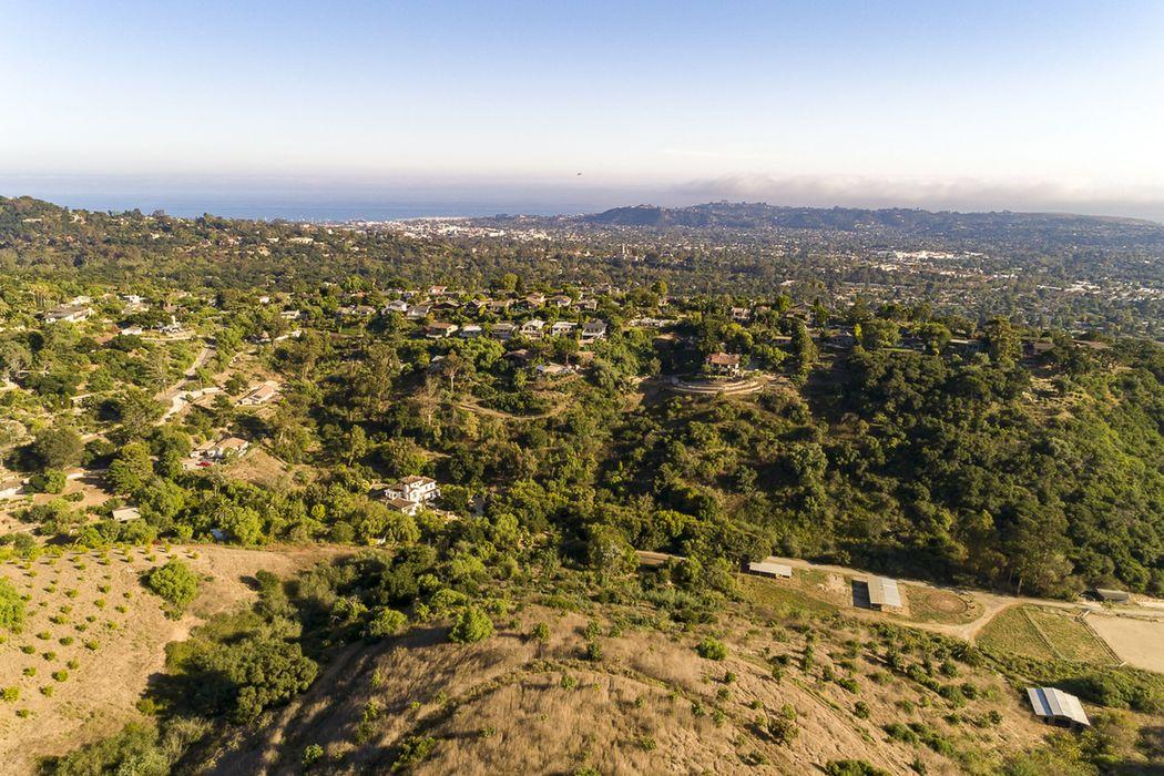 822 East Alamar Avenue Santa Barbara, CA 93105