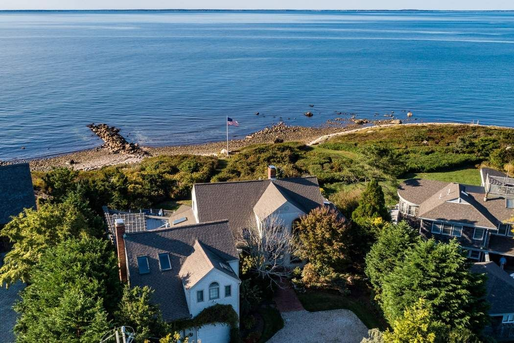 47 Gunning Point Avenue Falmouth, MA 02540