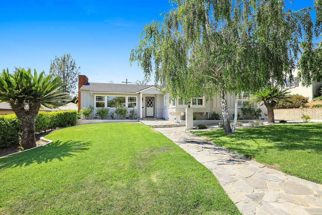 4951 Cecilville Avenue La Crescenta, CA 91214