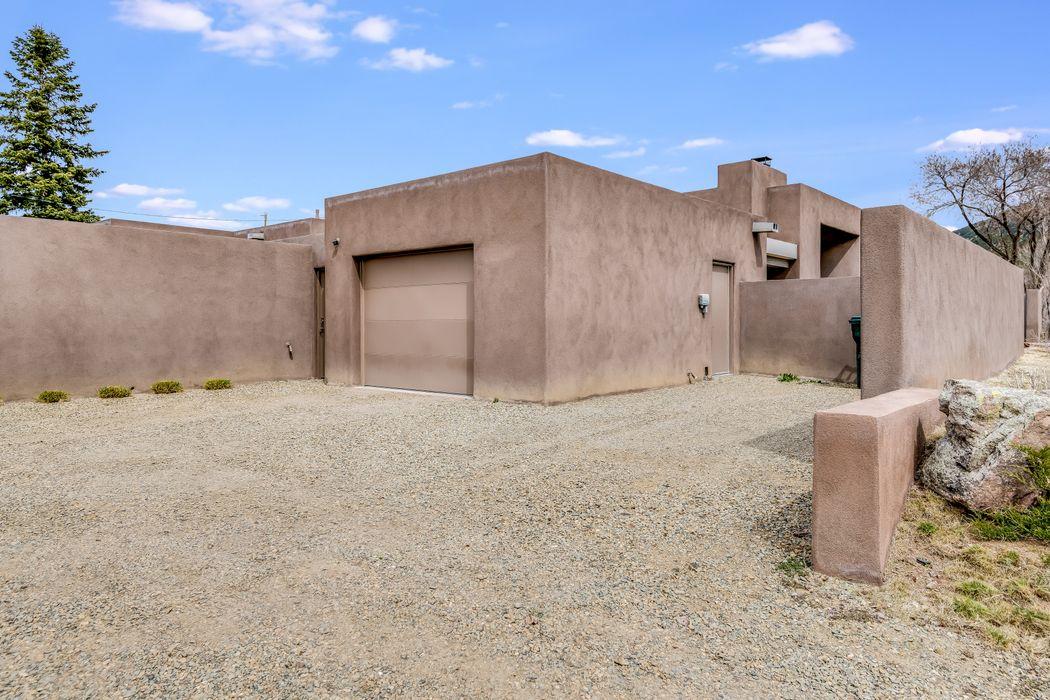 152 B And 148 S Armijo Lane Santa Fe, NM 87501