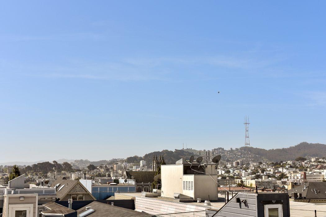 Pacific Heights Top Floor Condo San Francisco, CA 94115