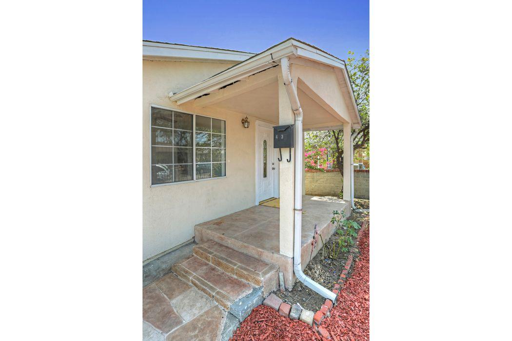 4136 Baywood Street Los Angeles, CA 90039