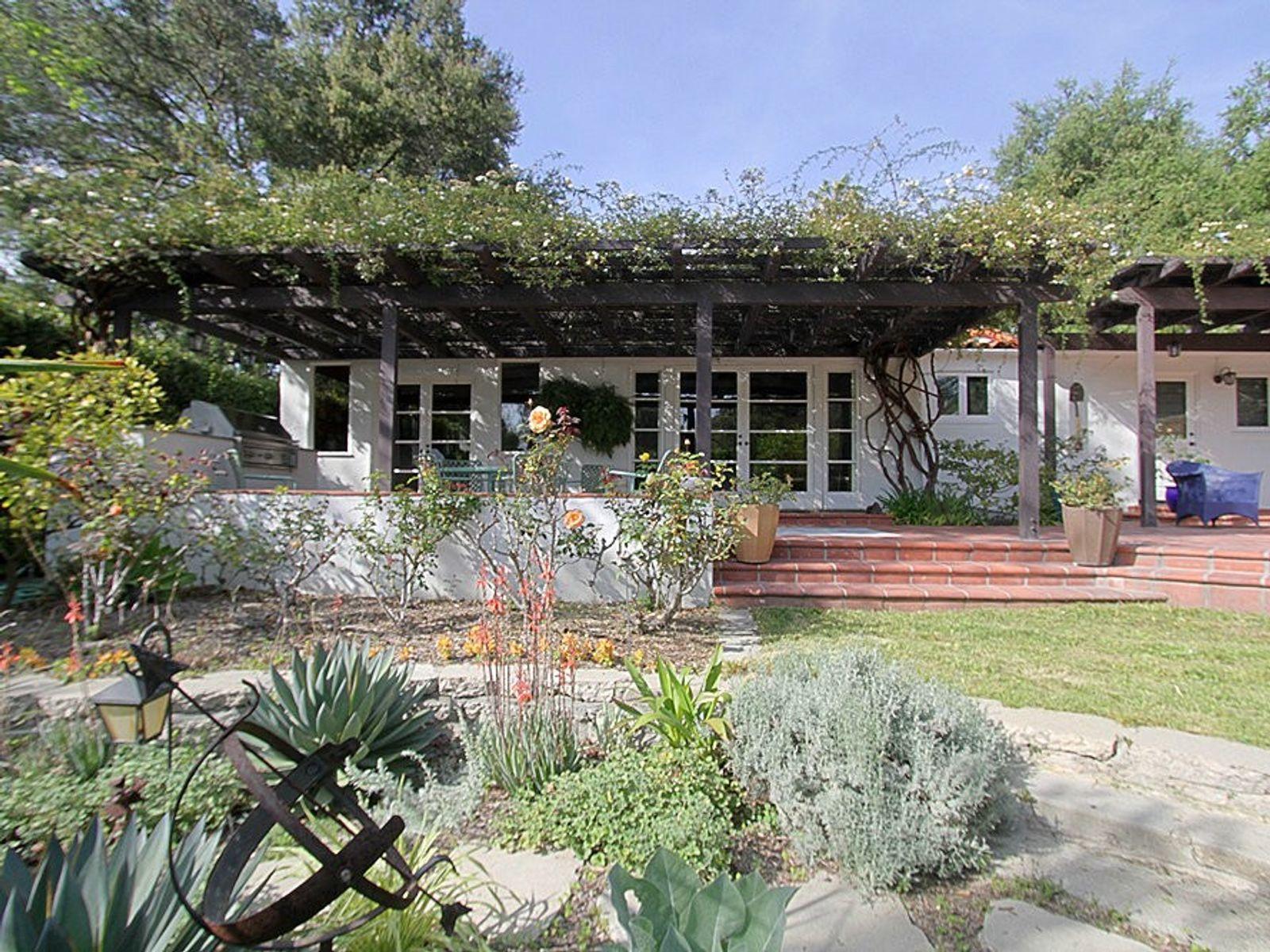 546 La Loma Road