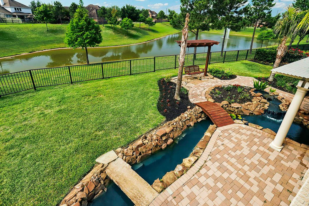 12320 Bend Creek Lane Pearland, TX 77584