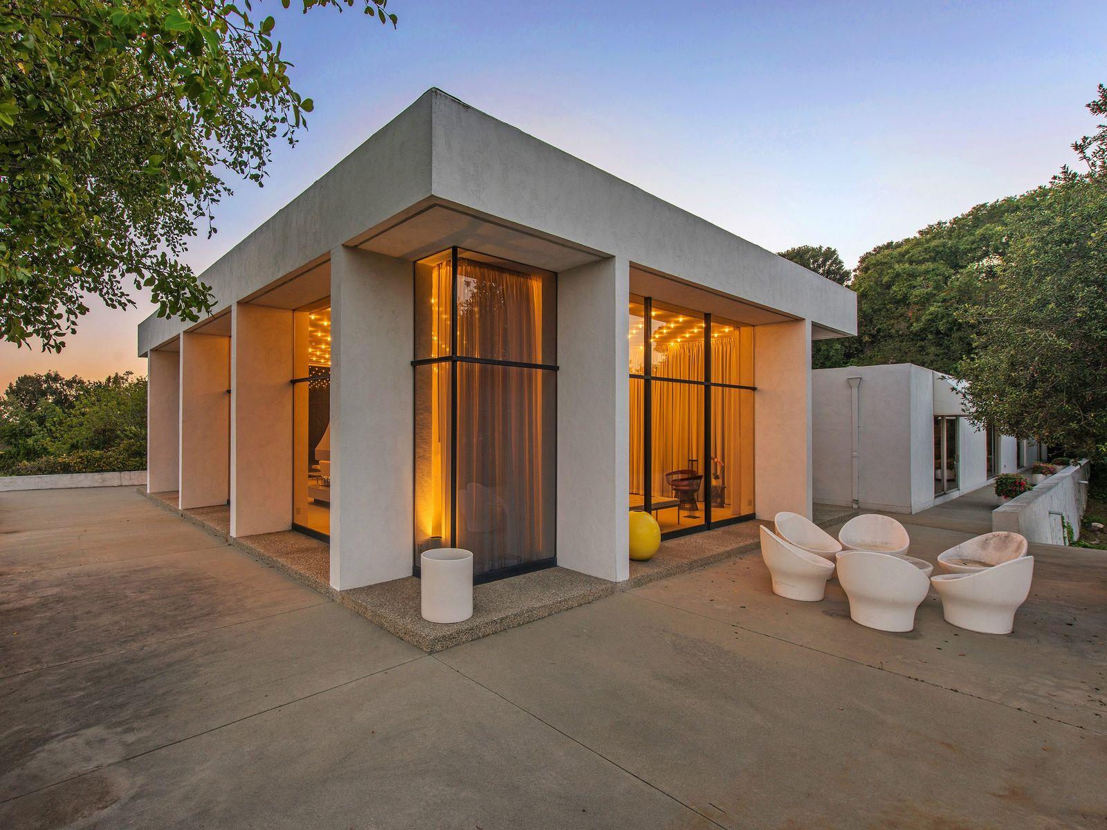 Pristine Architectural