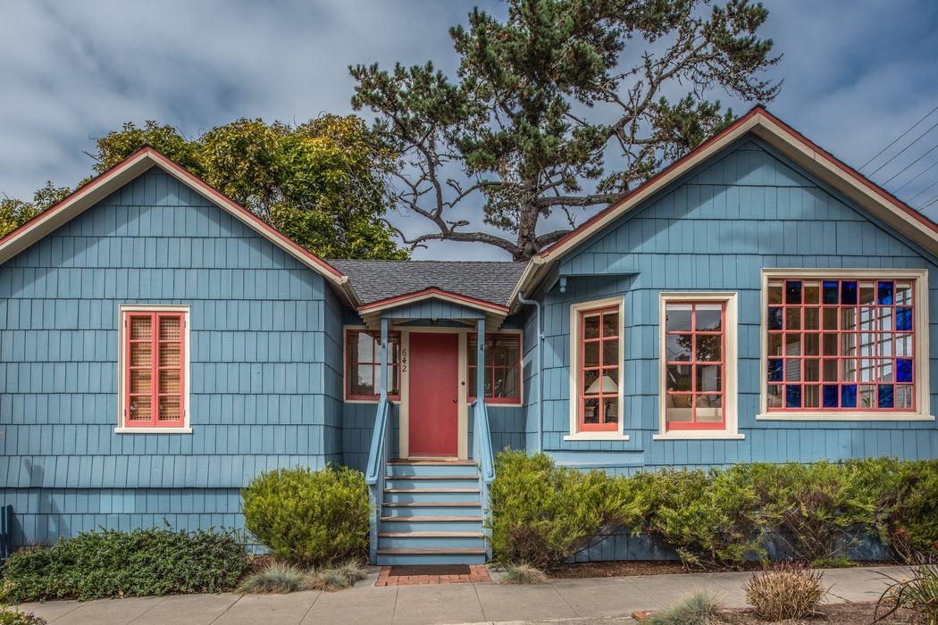 642 Pine Avenue Pacific Grove, CA 93950