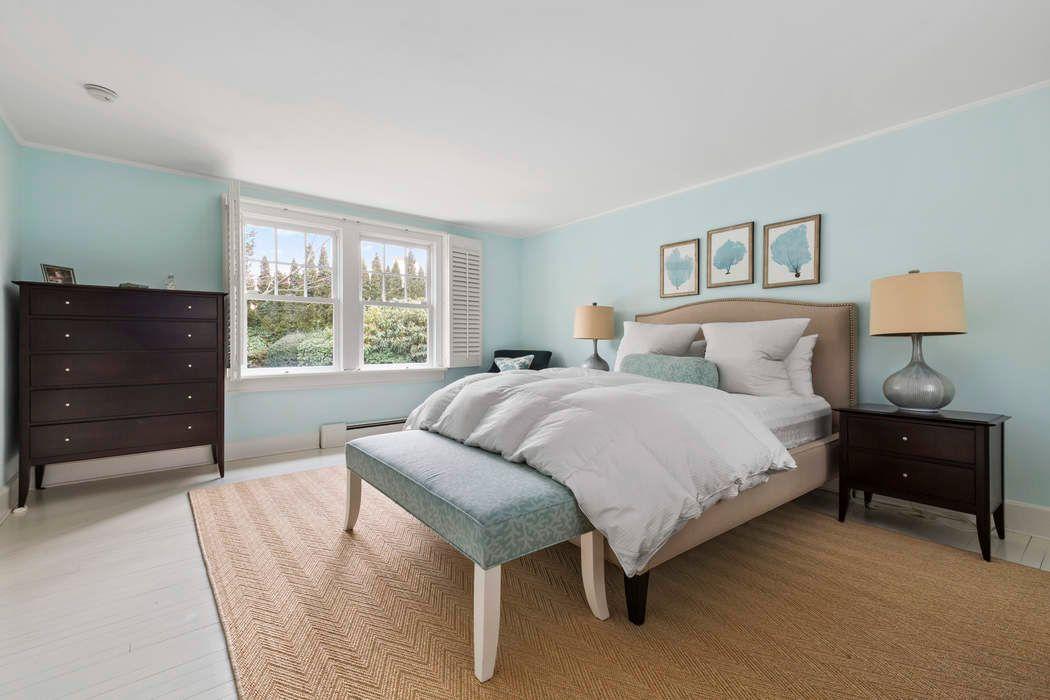 The Perfect Village Cottage East Hampton, NY 11937