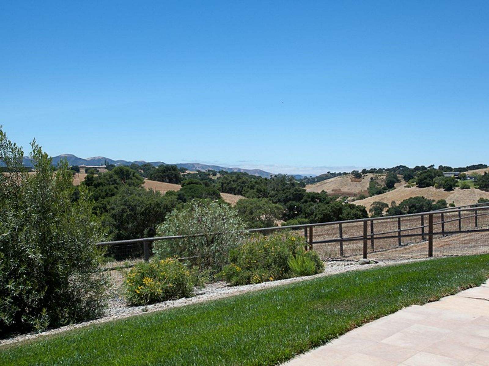 Big Views, Two Homes, 5 Beautiful Acres