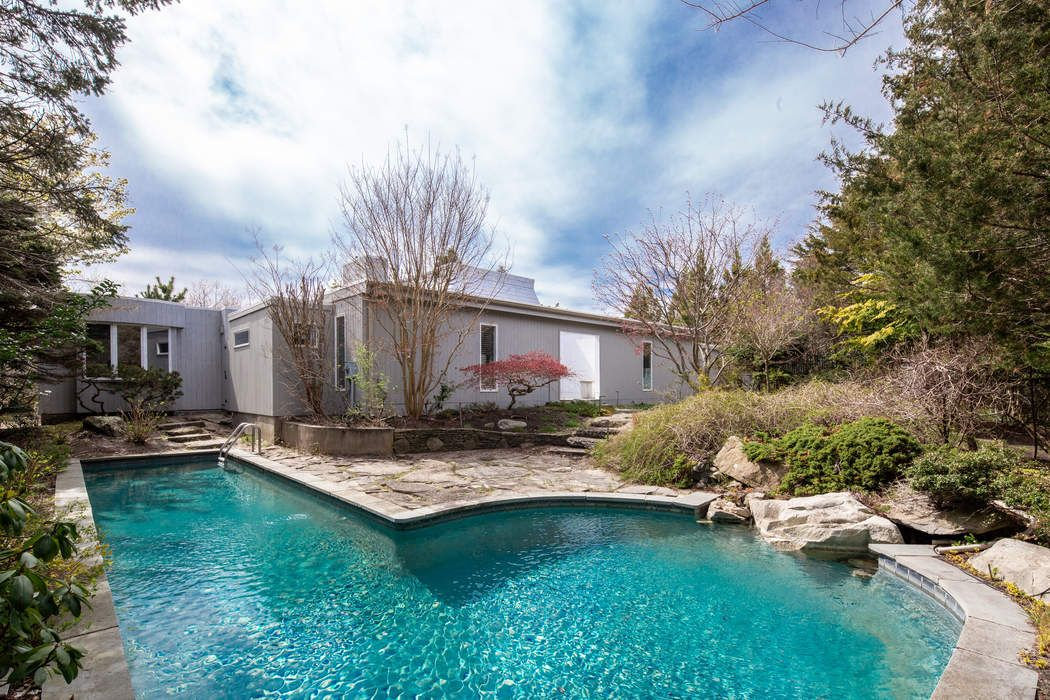 Stylish Contemporary with Heated Pool