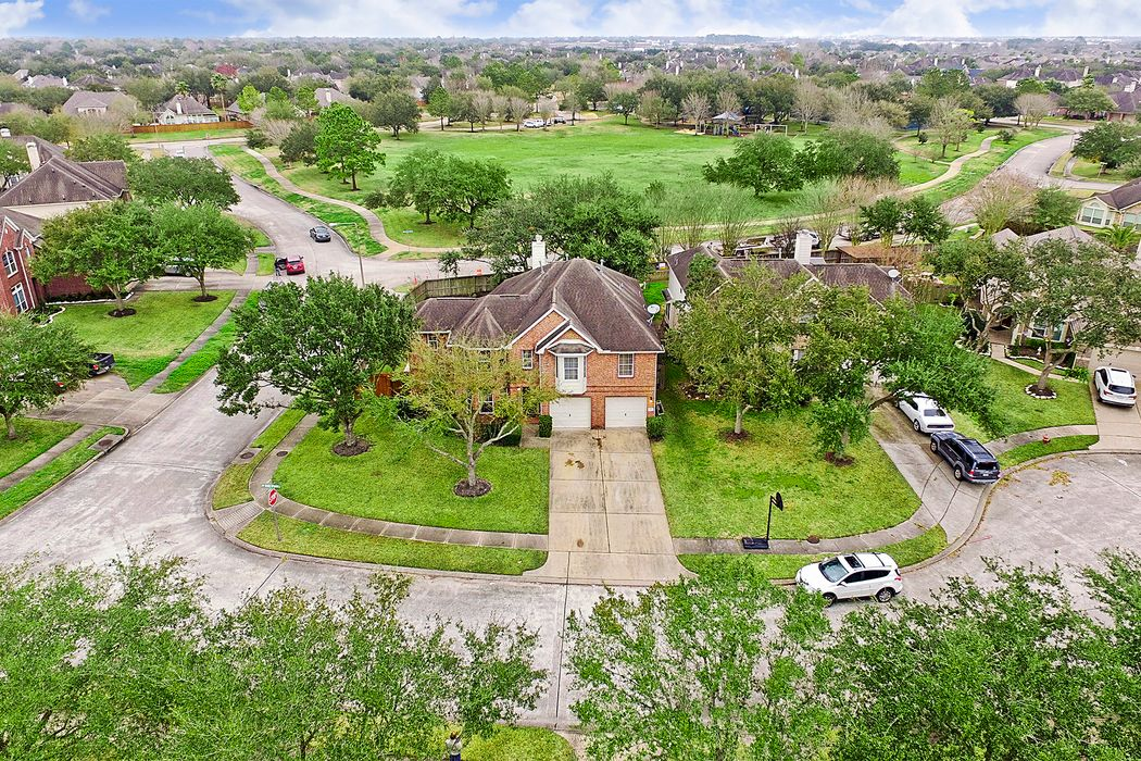 2201 Silent Springs Court League City, TX 77573