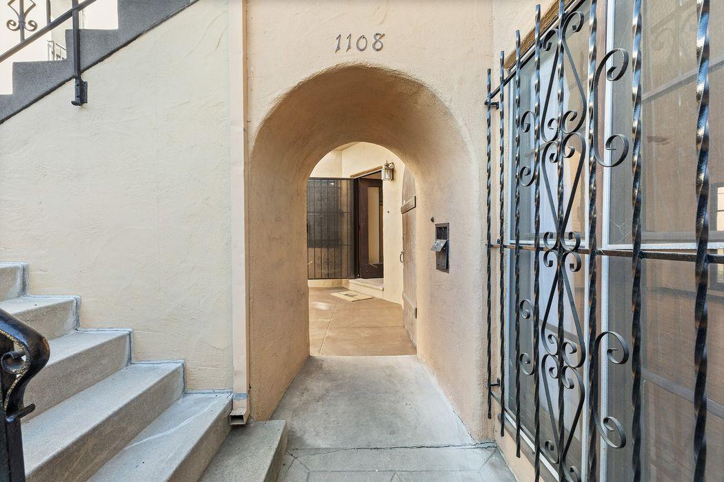 1106 5th Avenue Los Angeles, CA 90019