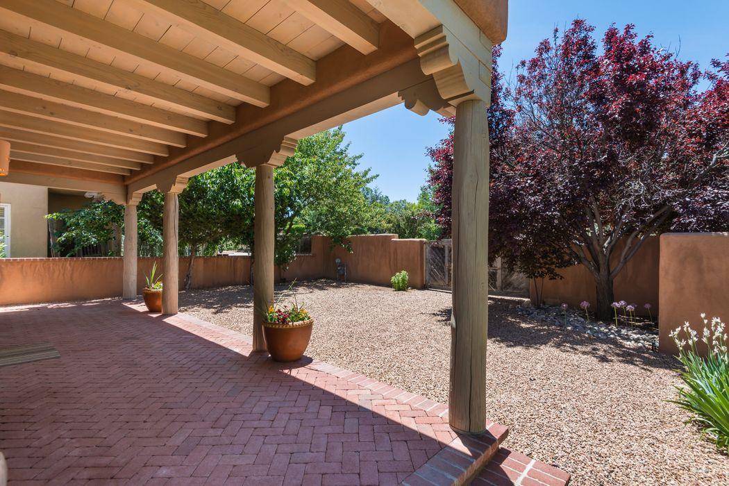 507 Calle Corvo Santa Fe, NM 87501