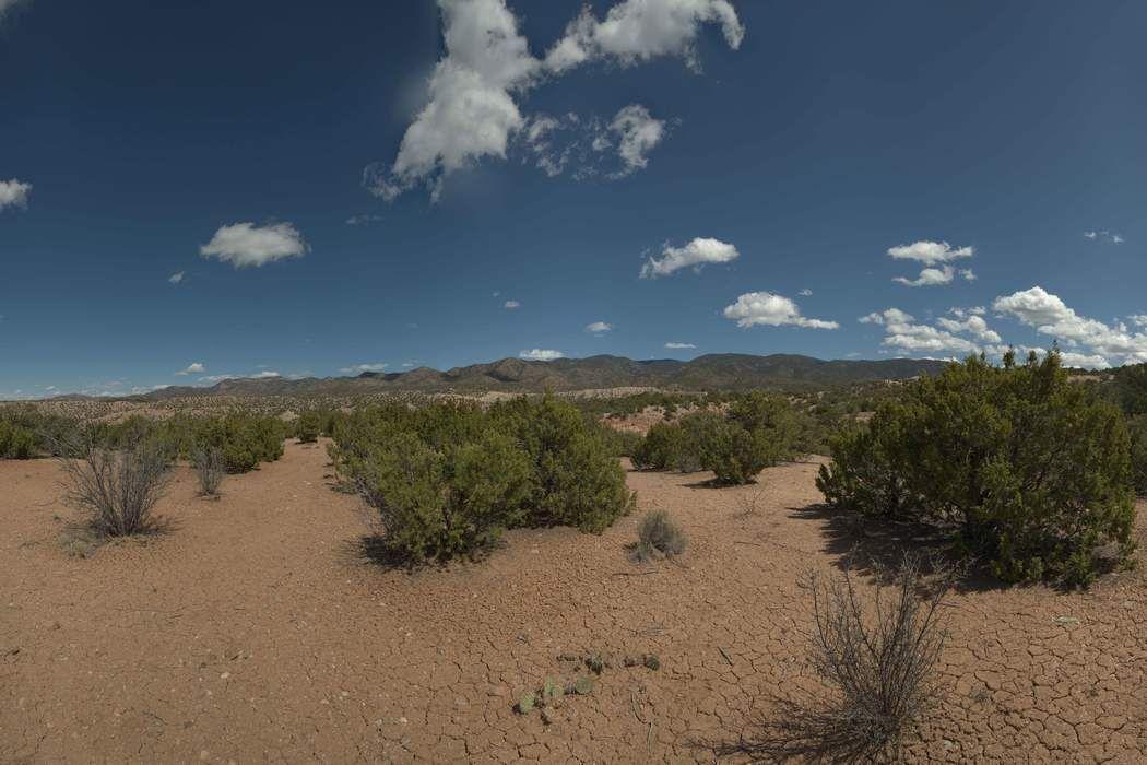 94 Paseo Encantado Ne Santa Fe, NM 87506