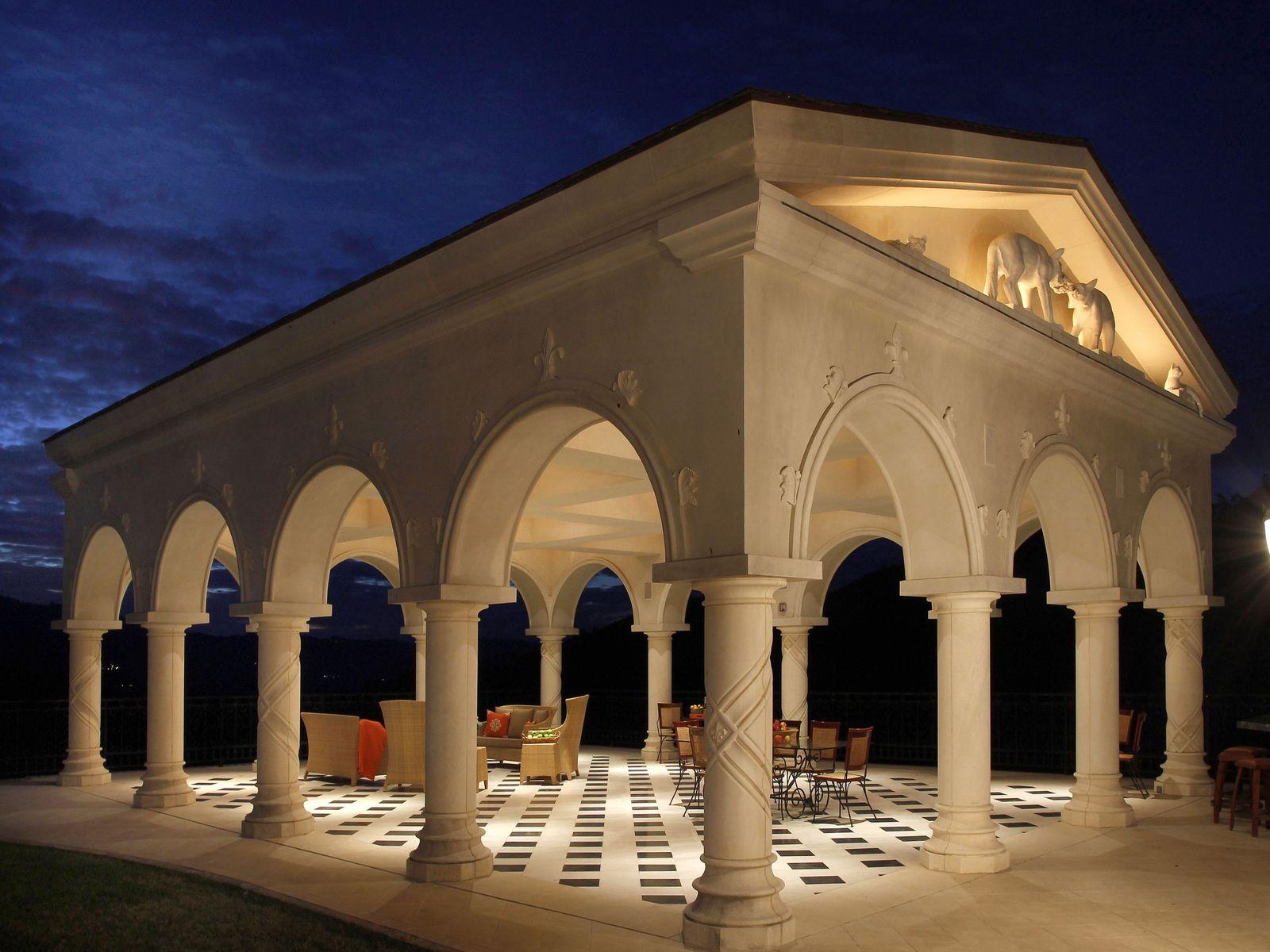 1050+/- sq.ft outdoor pavilion.