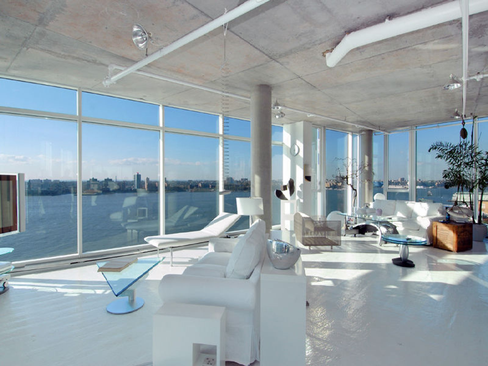 Perry Street Penthouse