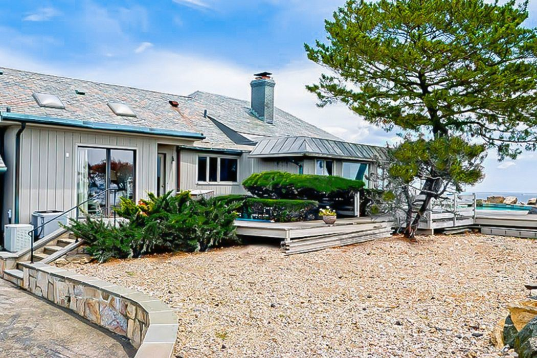 28 East Point Lane Old Greenwich, CT 06870