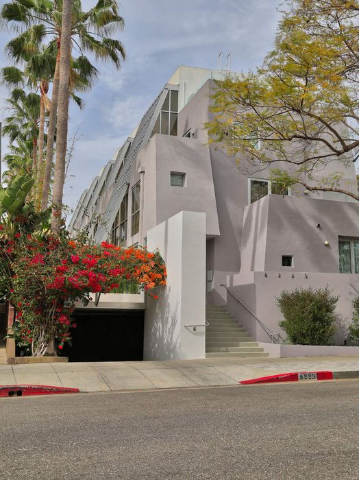 Townhouse in the heart of West Hollywood