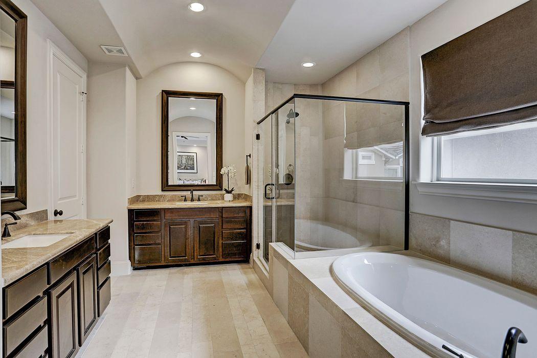 1307 Bobbitt Manor Lane Houston, TX 77055