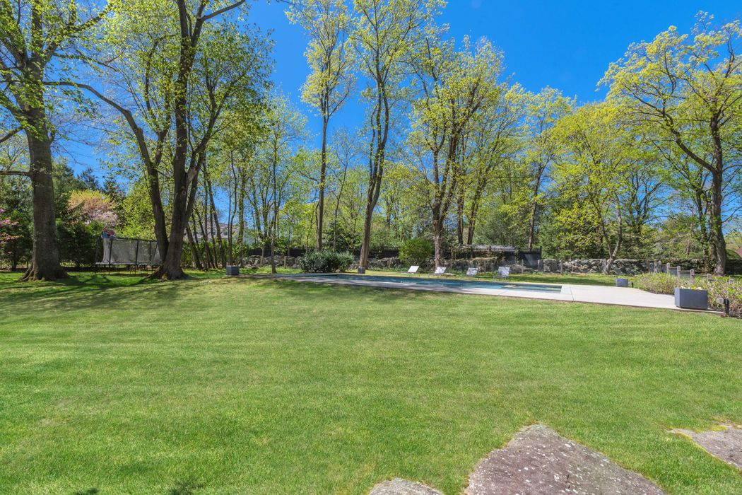 422 North Maple Avenue Greenwich, CT 06830