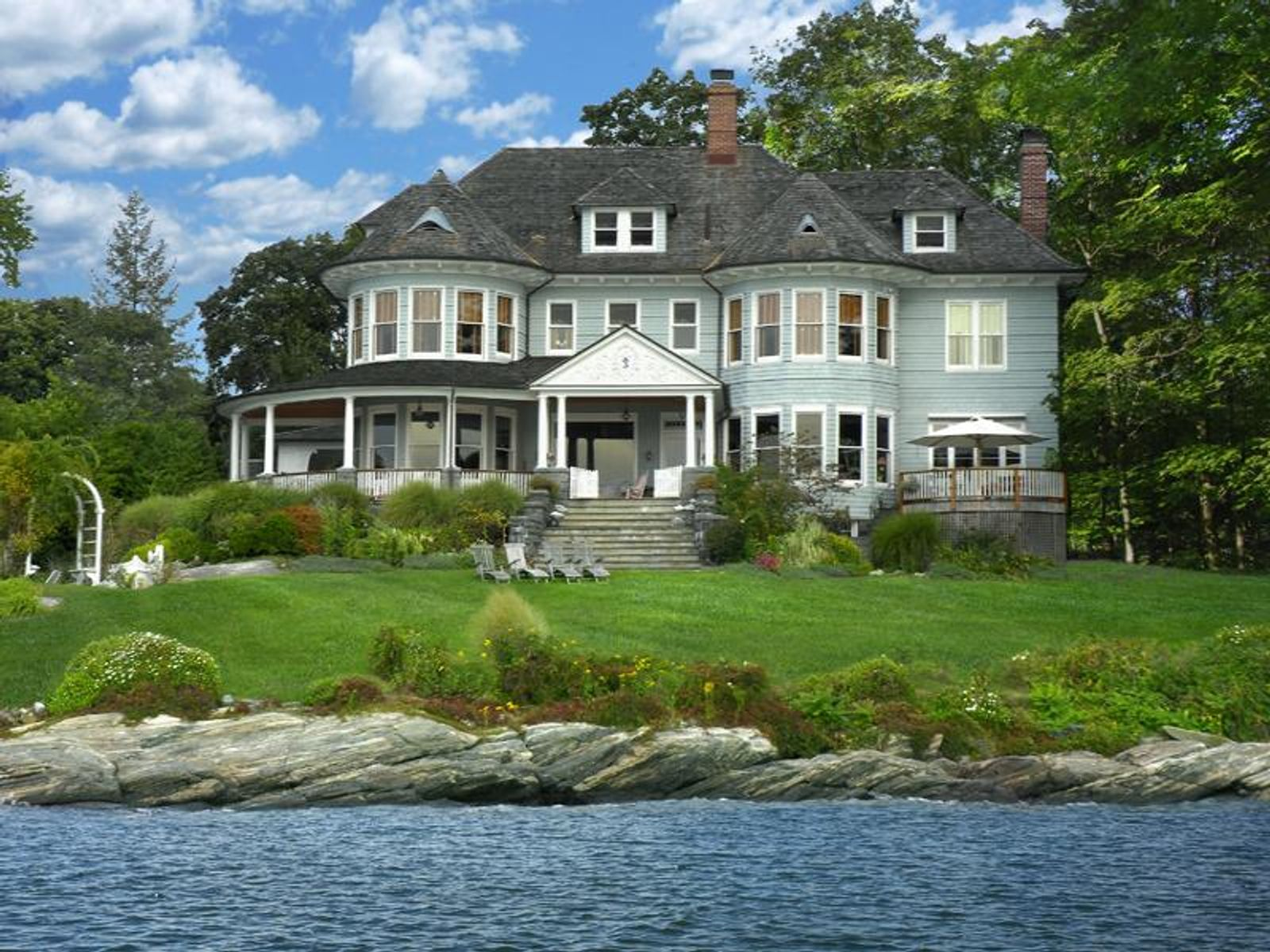 Seaside Estate, Greenwich CT Single Family Home - Greenwich Real Estate