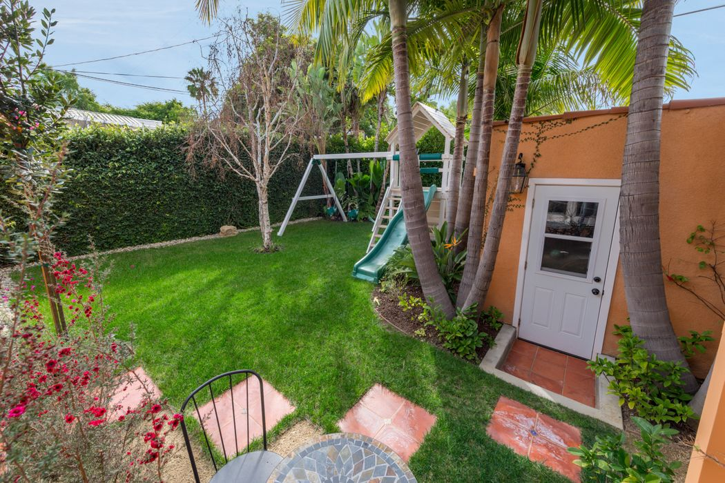 465 Westmount Drive West Hollywood, CA 90048