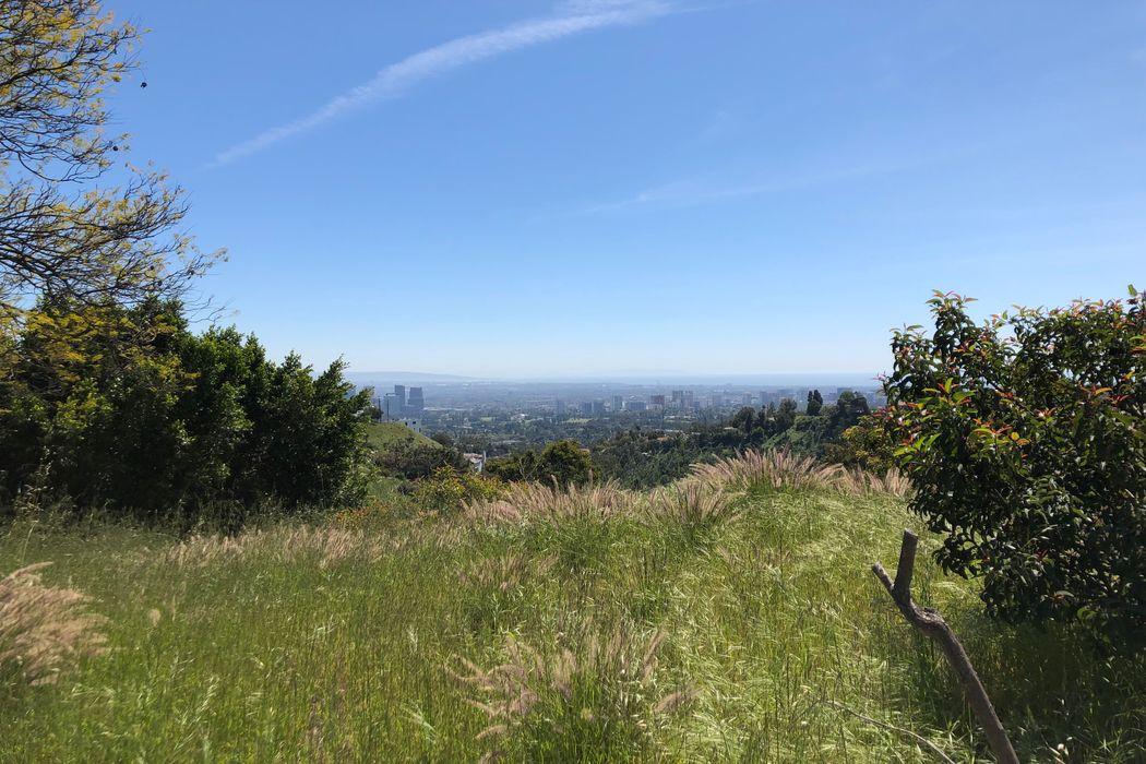 1777 Summitridge Drive Beverly Hills, CA 90210