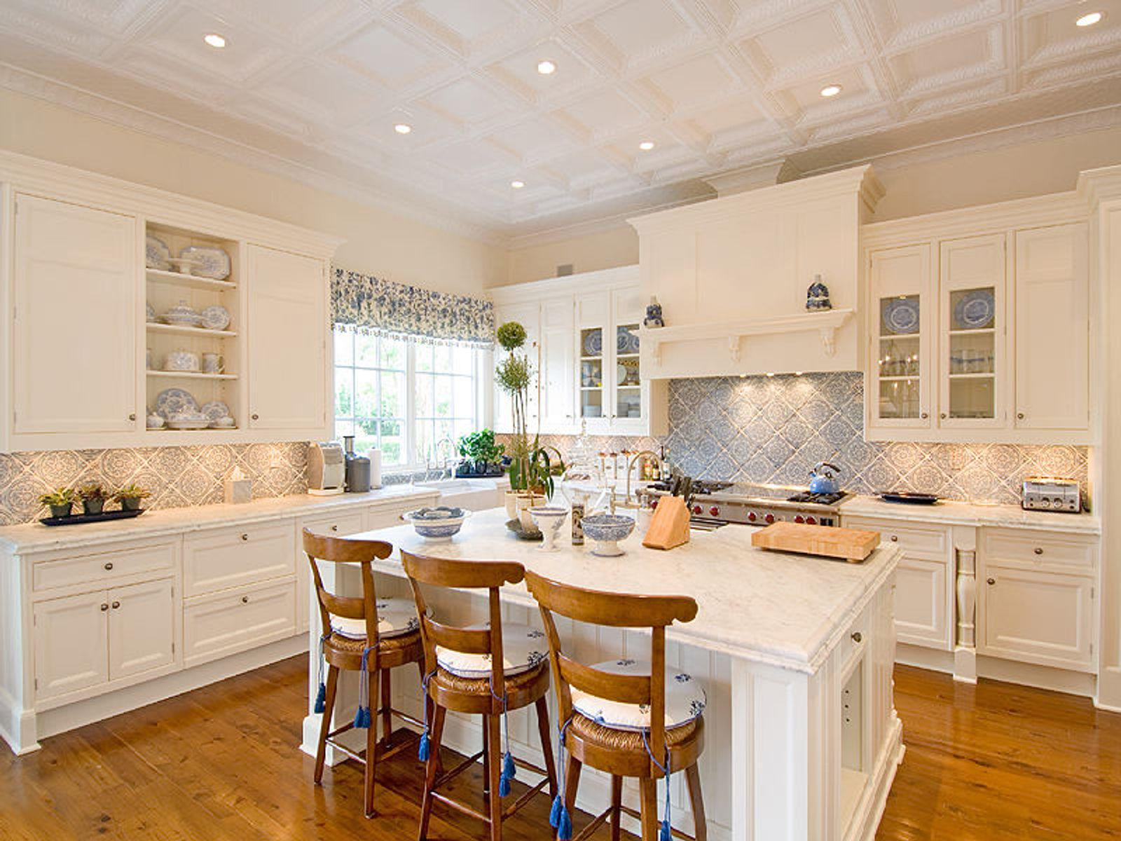 Hand-Finished Countertops and Large Center Island