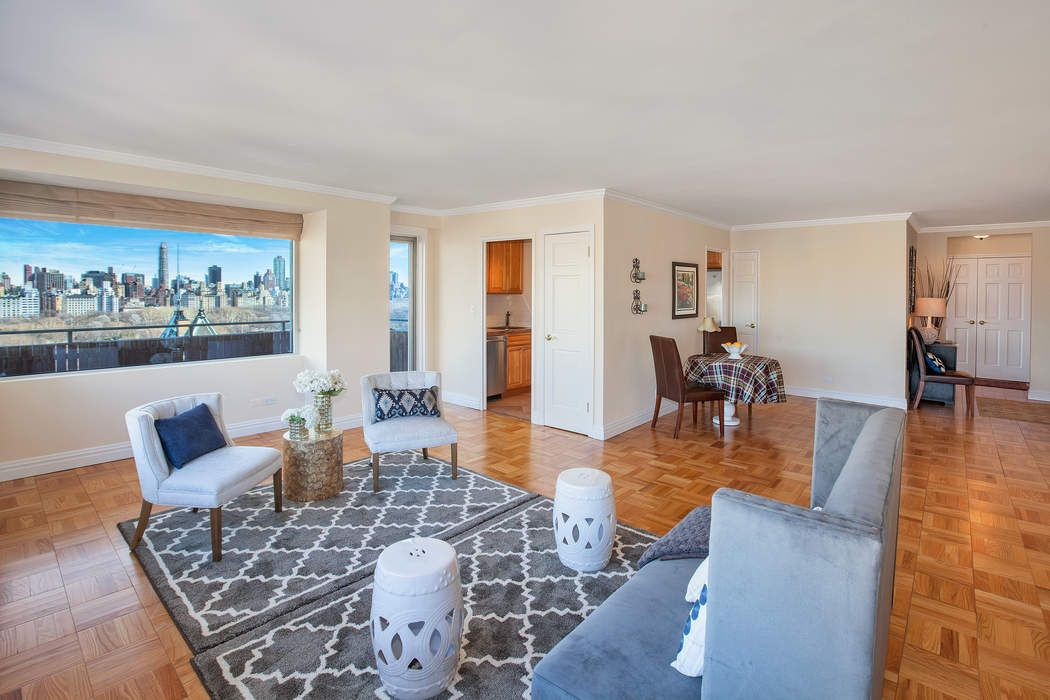 15 West 72nd Street, Apt. 22E