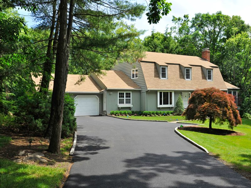 Renovated Colonial in Mid-Country