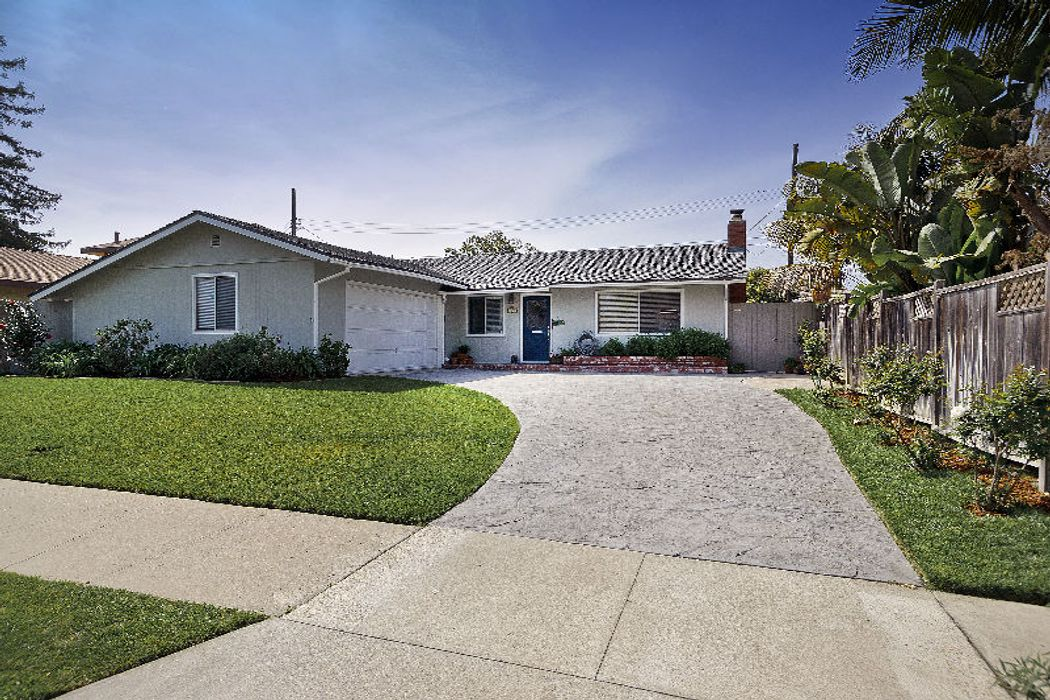 Charming Carpinteria Cottage