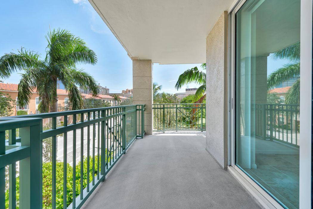 403 S Sapodilla Ave West Palm Beach, FL 33401